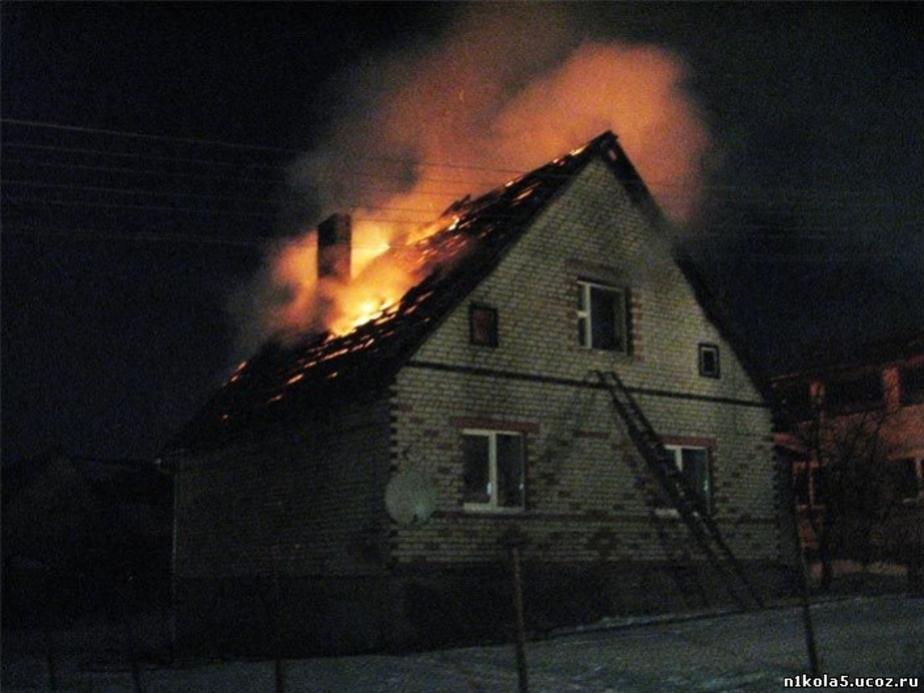 В Калининграде из горящих домов вынесли двух женщин - Новости Калининграда