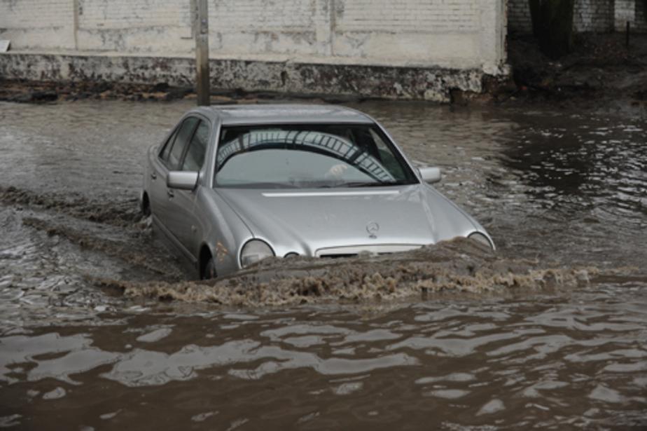 От паводка в Калининграде пострадал немецкий автомобилист - Новости Калининграда