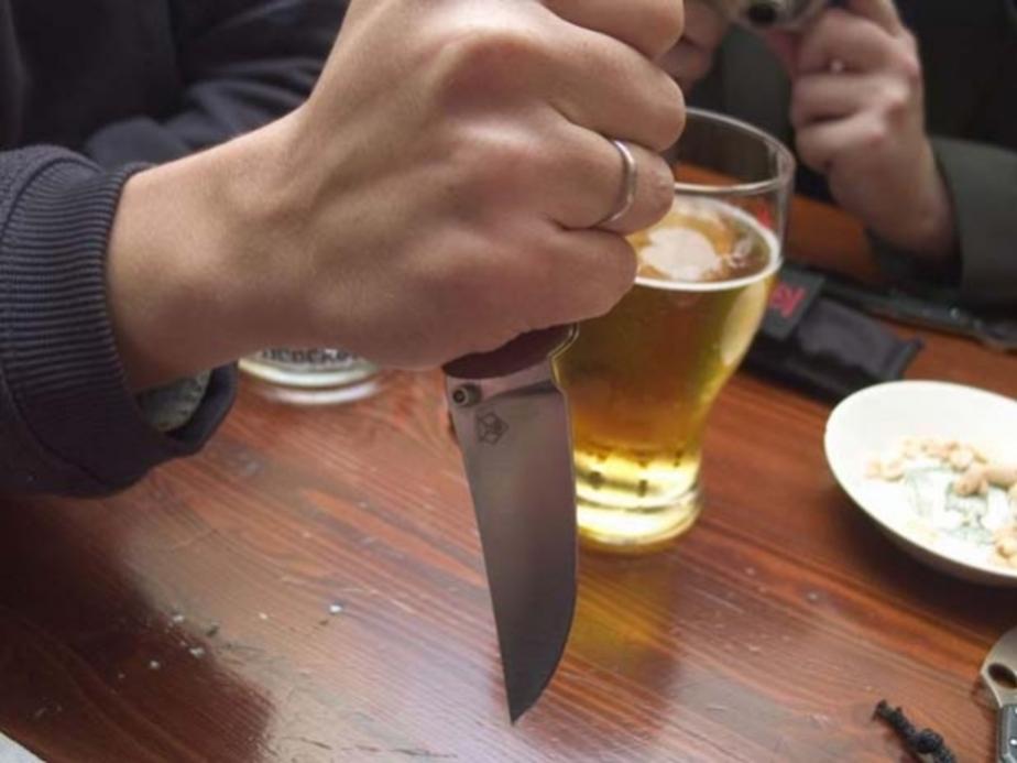 В Калининграде отец пырнул ножом сына во время пьянки - Новости Калининграда