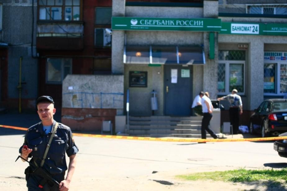 На ул- Гайдара мотоциклисты из автоматов расстреляли двух человек - Новости Калининграда