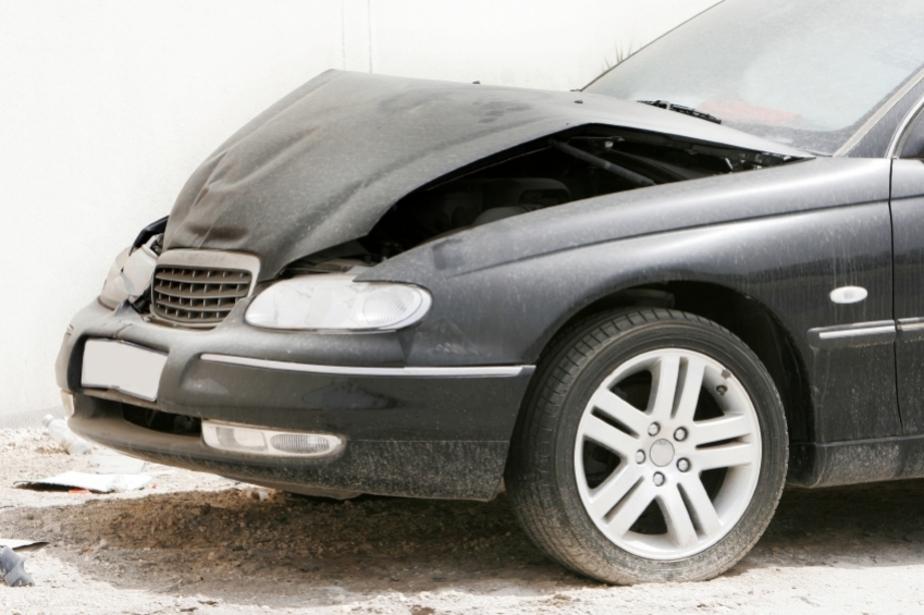 Неизвестные повредили автомобиль кандидата в депутаты из Полесска - Новости Калининграда