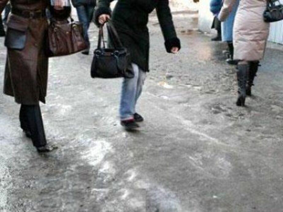 Из-за гололеда и падения снега с крыш в Полесском районе пострадали 20 человек - Новости Калининграда