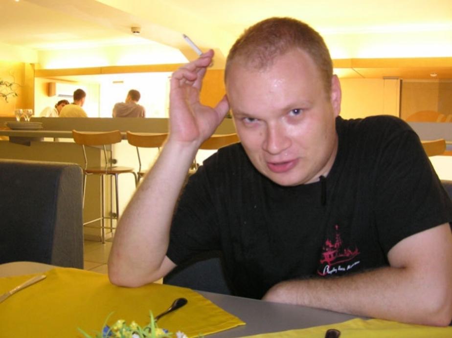 Олег Кашин прооперирован и находится в тяжелом состоянии - Новости Калининграда