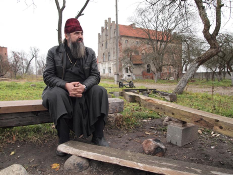 Как православные священники восстанавливают замки - Новости Калининграда