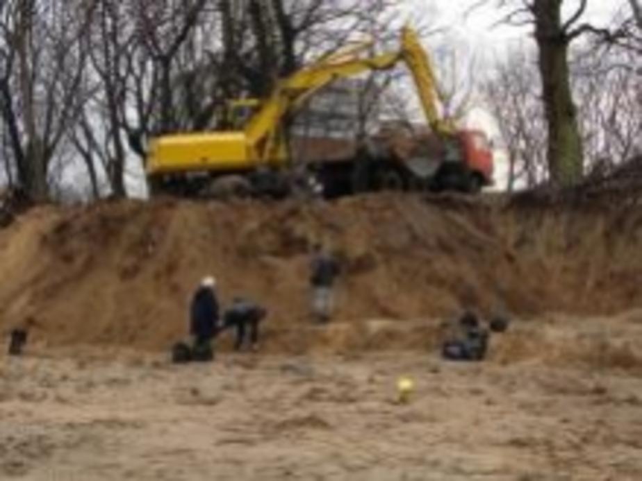 В Балтийске незаконно разрыто немецкое кладбище - Новости Калининграда