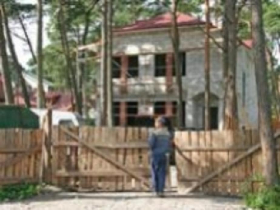 Недостроенные дома на Куршской косе подлежат сносу - Новости Калининграда
