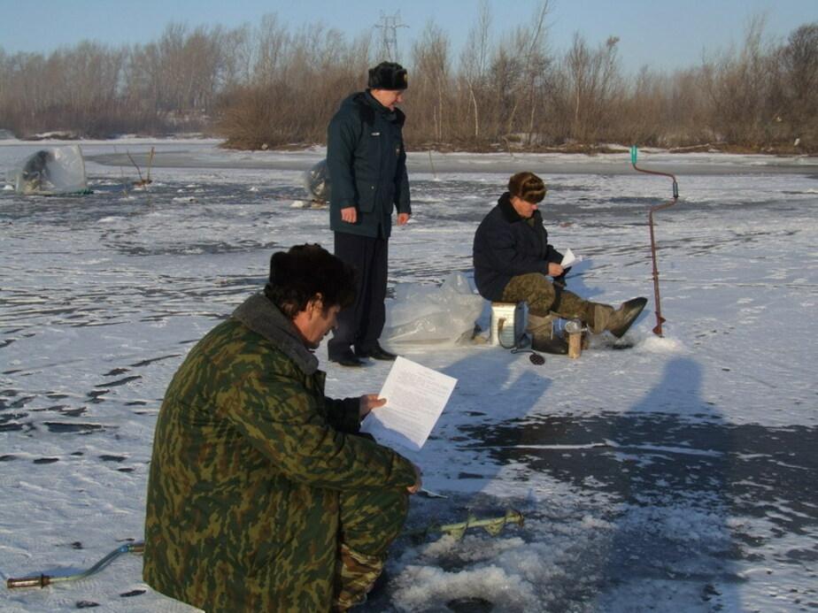 МЧС просит рыбаков не выходить на лед калининградских водоемов - Новости Калининграда