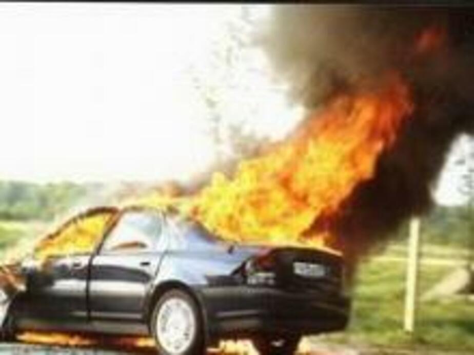 В Немане загорелся автомобиль BMW - Новости Калининграда