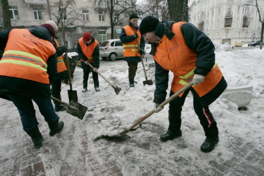 Работу дворников в Калининграде будут контролировать сотрудники правительства - Новости Калининграда