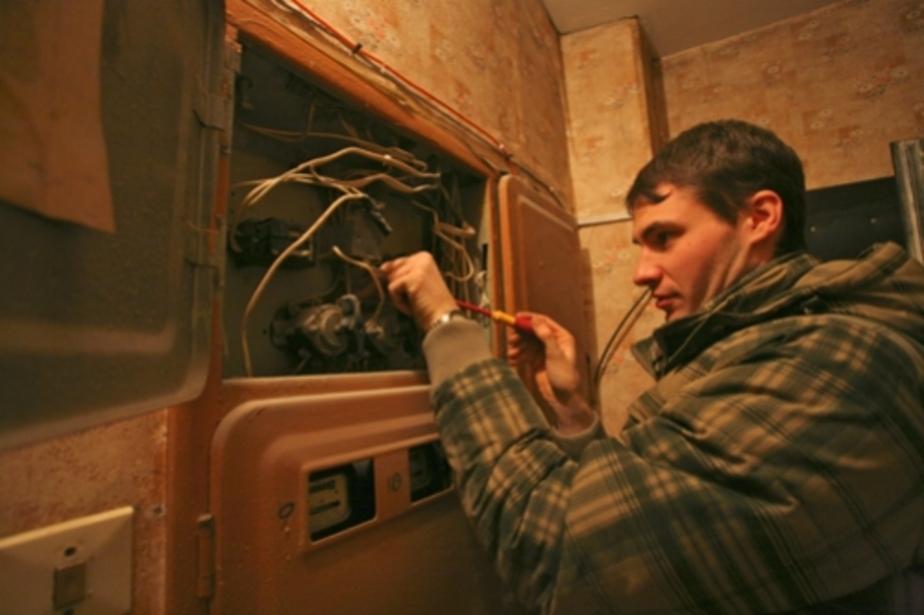 Из-за скачка напряжения в квартирах калининградцев сгорели телевизоры и компьютеры - Новости Калининграда