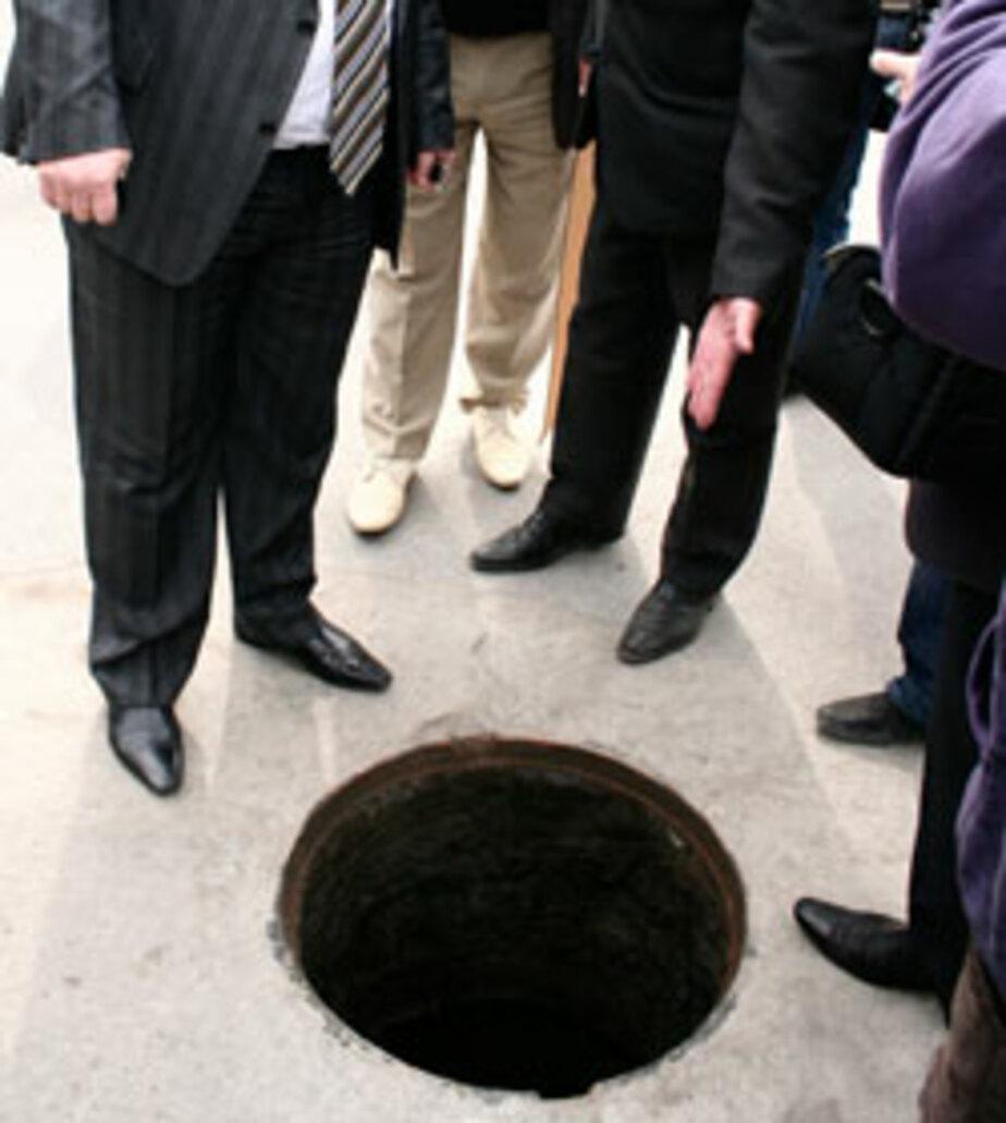 В Калининграде участились случаи краж крышек колодцев - Новости Калининграда
