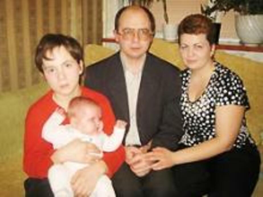 Женщина удочерила ребёнка своего мужа и его любовницы  - Новости Калининграда