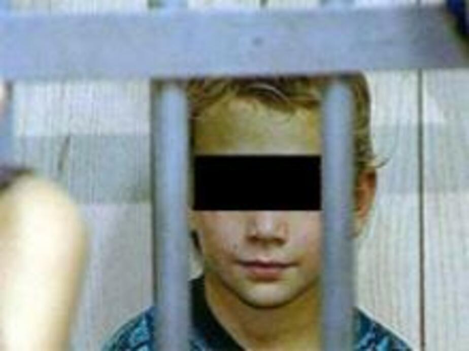 Школьники подозреваются в вандализме на кладбище  - Новости Калининграда