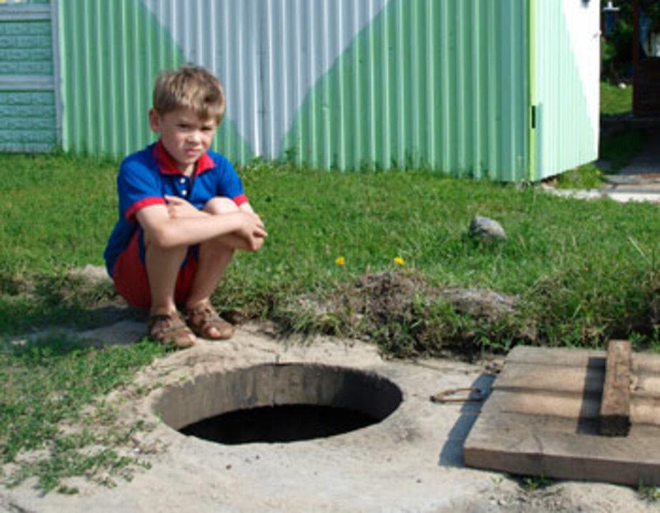 В Балтийске 8-летний мальчик в ливень провалился в колодец - Новости Калининграда