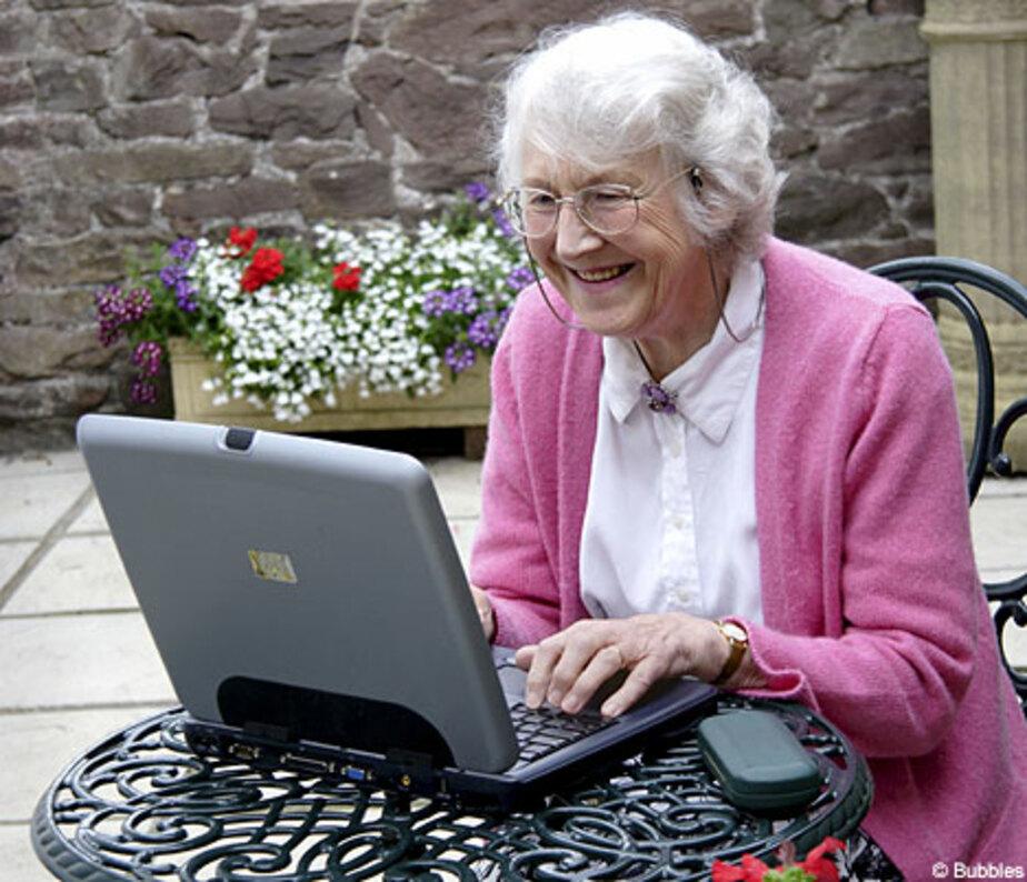Калининградских пенсионеров научат работать на компьютере и пользоваться скайпом - Новости Калининграда