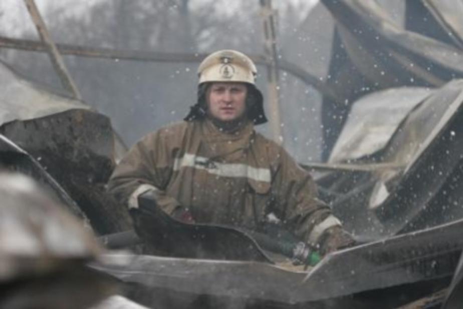 Калининградские пожарные проиграли суд о повышении зарплаты - Новости Калининграда