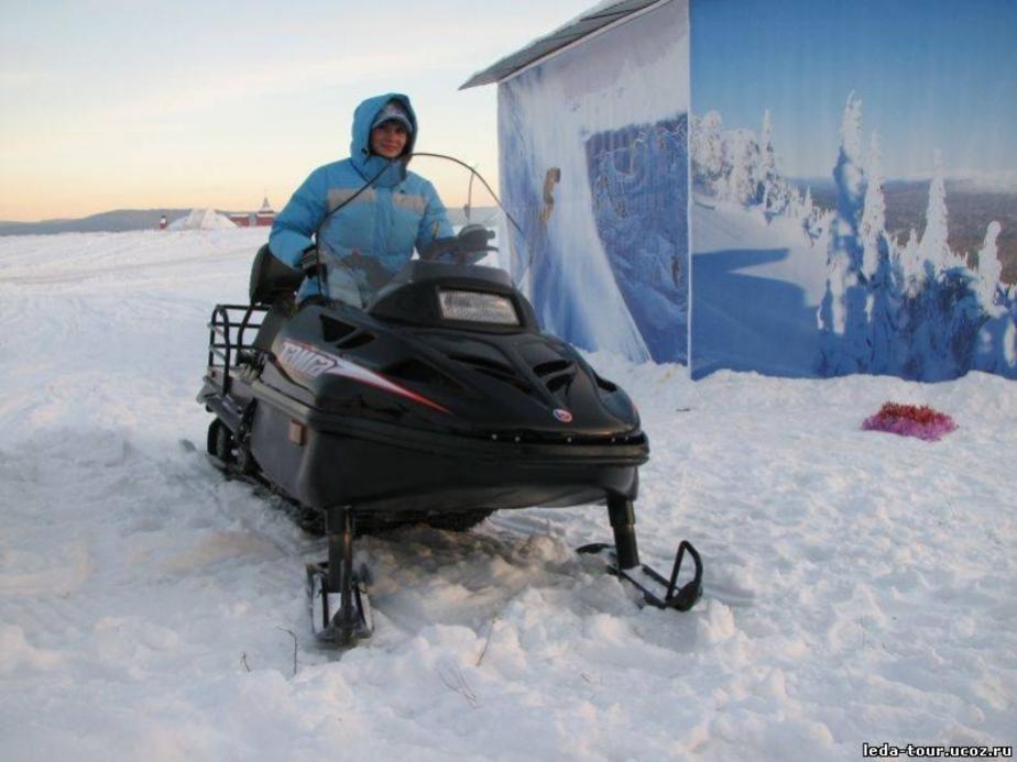 На Куршском заливе рыбаков до лунки возит такси - Новости Калининграда