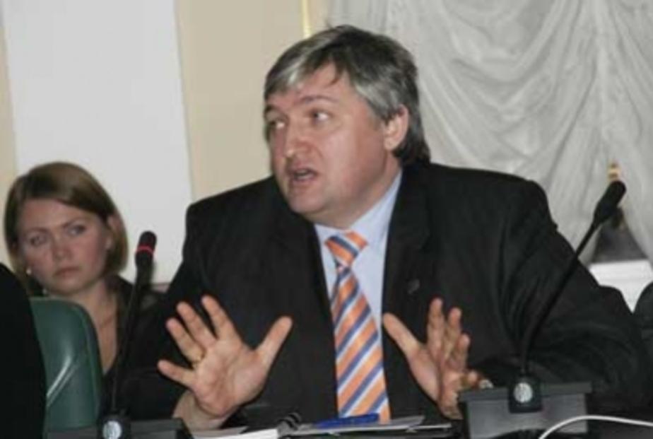 Цуканов уволил из правительства чиновника-бизнесмена - Новости Калининграда