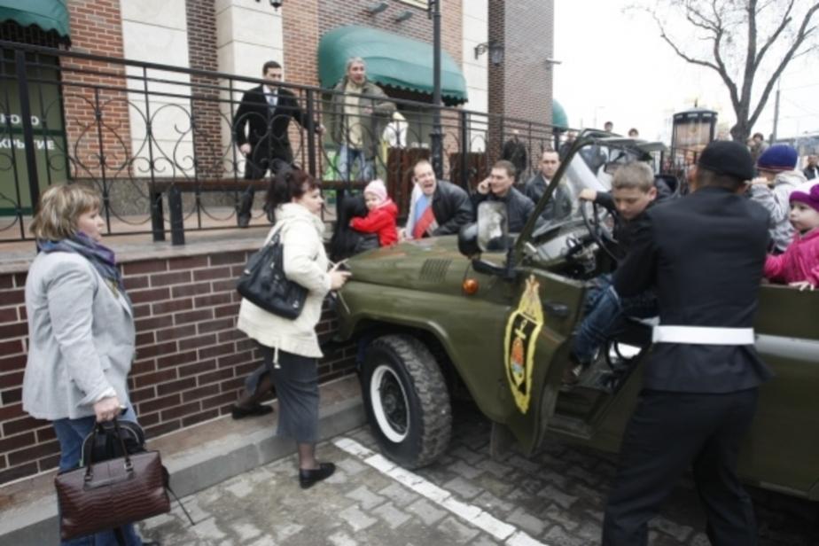 Попавшая под военный автомобиль калининградка госпитализирована - Новости Калининграда