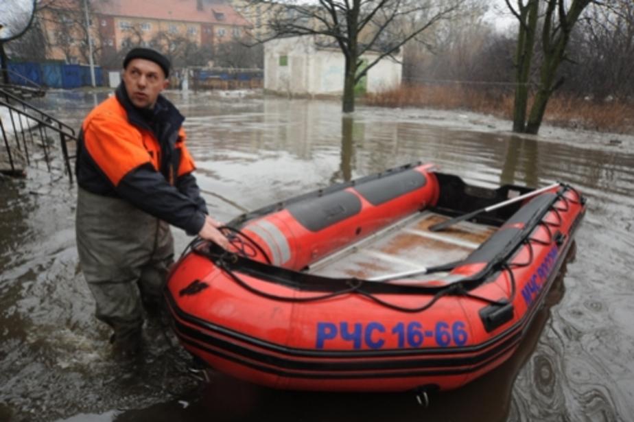 Цуканов поручил осушить подтопленные подвалы в домах до заморозков - Новости Калининграда