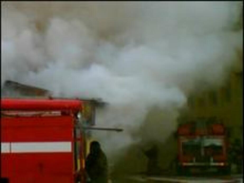 На улице Катина  сгорела крыша дома с чердаком - Новости Калининграда