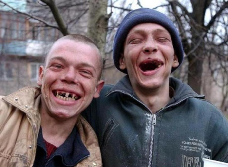 Суд оштрафовал газету за публикацию фамилий подростков- помочившихся на могилу в Славске - Новости Калининграда