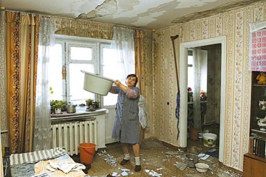 В квартирах калининградцев из-за тающего снега рушатся потолки - Новости Калининграда