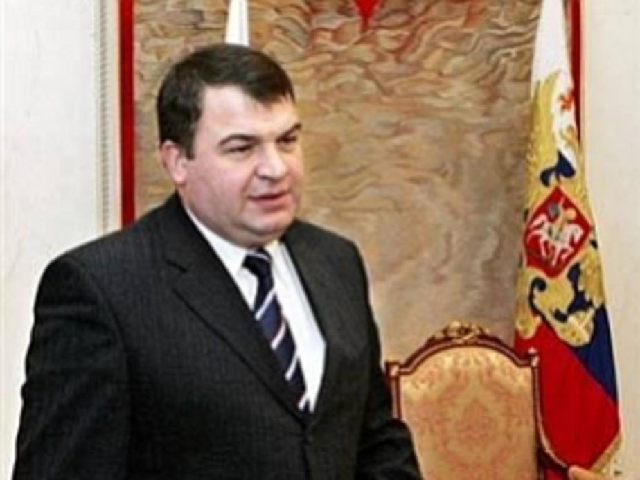 Министр обороны Сердюков обсудит в Калининграде строительство жилья для военных - Новости Калининграда