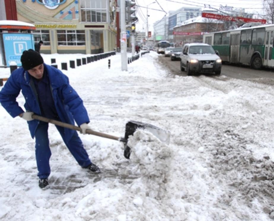 В Калининграде катастрофически не хватает дворников - Новости Калининграда