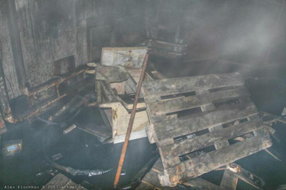В Калининграде на ул- Литовский вал бомжи подожгли бомбоубежище - Новости Калининграда