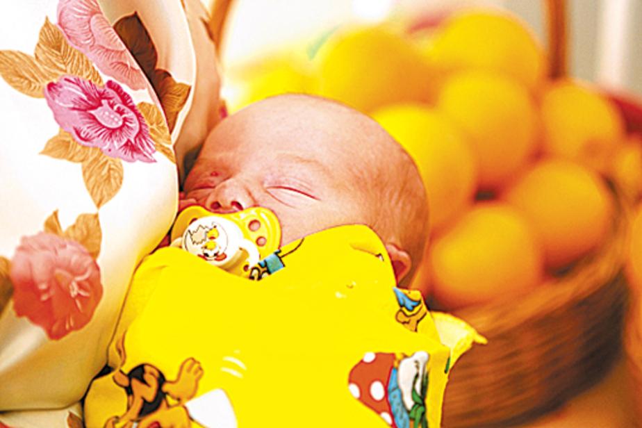 Малышу вручили тонну апельсинов и автокресло - Новости Калининграда