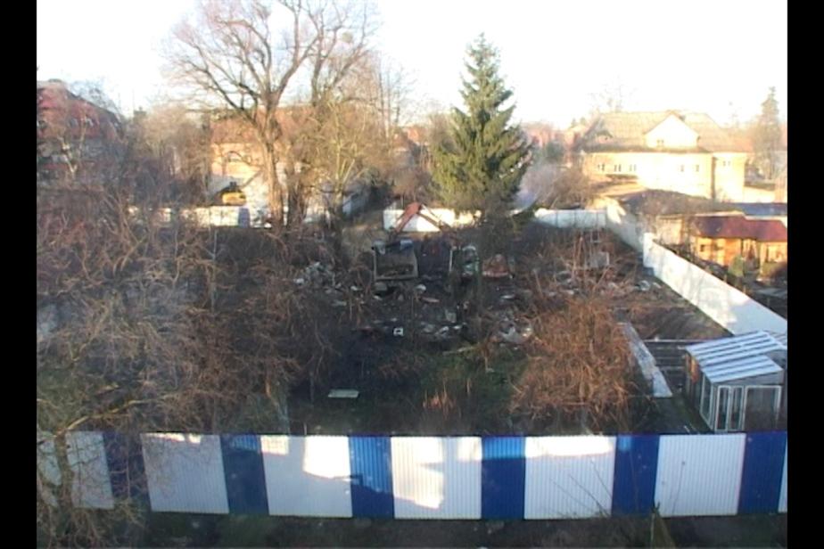 В Калининграде на ул- Ленинградской сад сравняли с землей под застройку