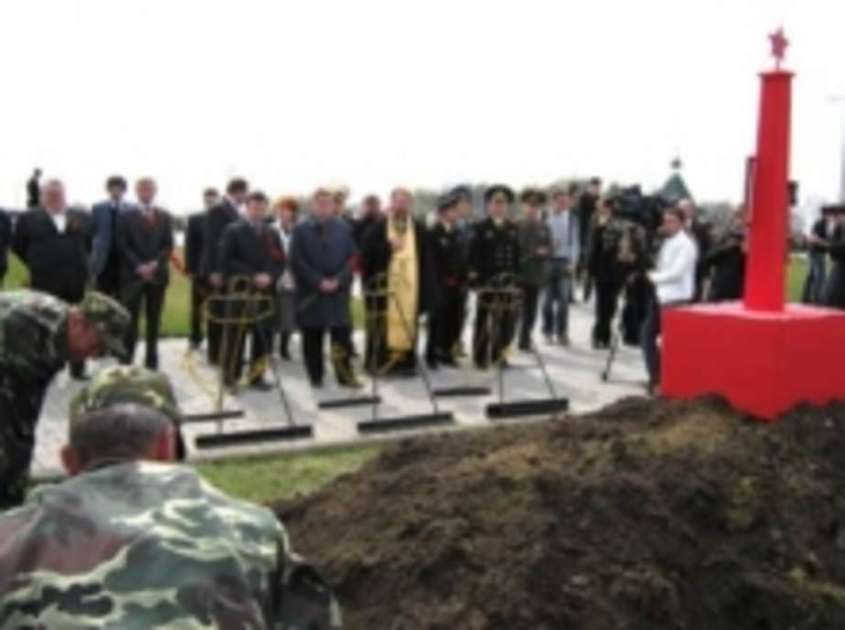 В поселке Медведевка перезахоронили останки 332 красноармейцев - Новости Калининграда
