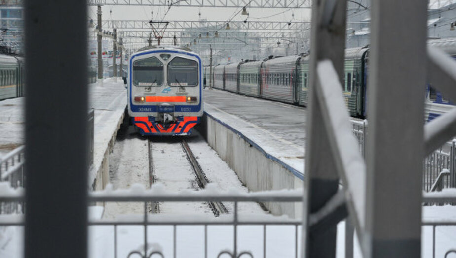 Пригородная электричка из Светлогорска едва не сбила человека - Новости Калининграда