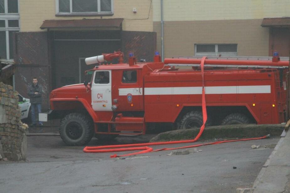 В Калининграде пожарные вынесли из огня мужчину - Новости Калининграда