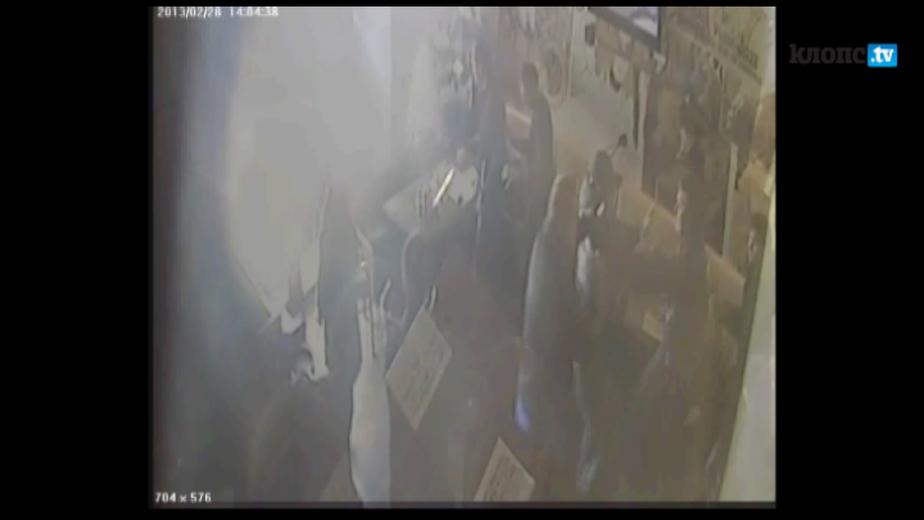 """Массовая драка в ресторане """"Тетка Фишер"""" началась из-за меню -видео с камер наблюдения- - Новости Калининграда"""