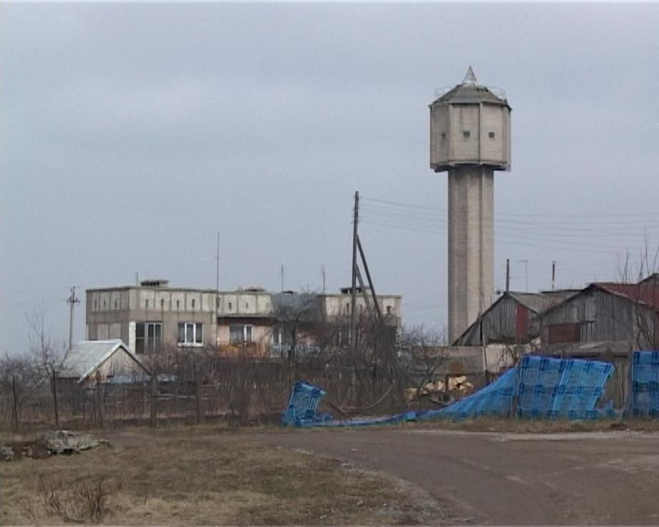 Сотни жителей поселка Славинск уже несколько месяцев живут без воды - Новости Калининграда