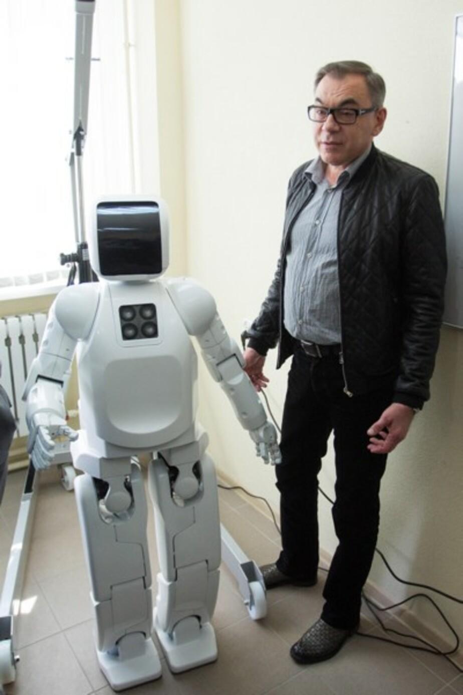 В БФУ им- Канта появился студент-робот - Новости Калининграда