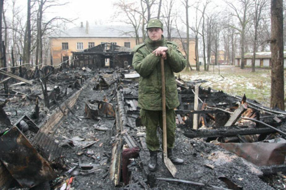 Молодой лейтенант выбрался из огня, но не успел добежать до спасительной двери - Новости Калининграда