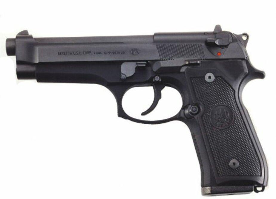 В Калининграде жена принесла в полицию 2 пистолета- которые муж-моряк привез из рейса - Новости Калининграда