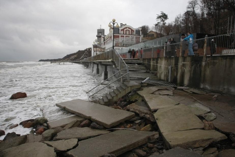 Пока калининградские чиновники считали деньги, море стало возвращать пляжи - Новости Калининграда