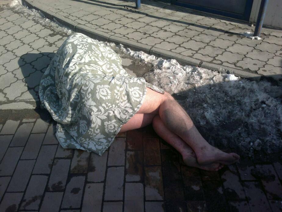 В Калининграде голый мужчина откусил палец прохожему- который снимал его на камеру - Новости Калининграда