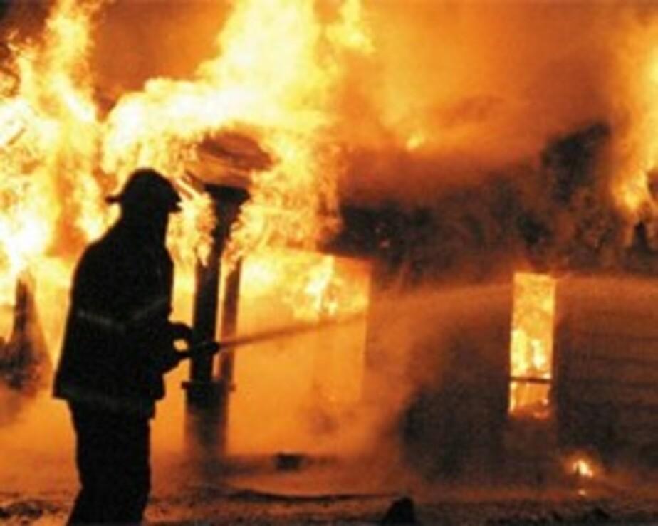 В Калининграде загорелся подвал дома- жильцов эвакуировали - Новости Калининграда