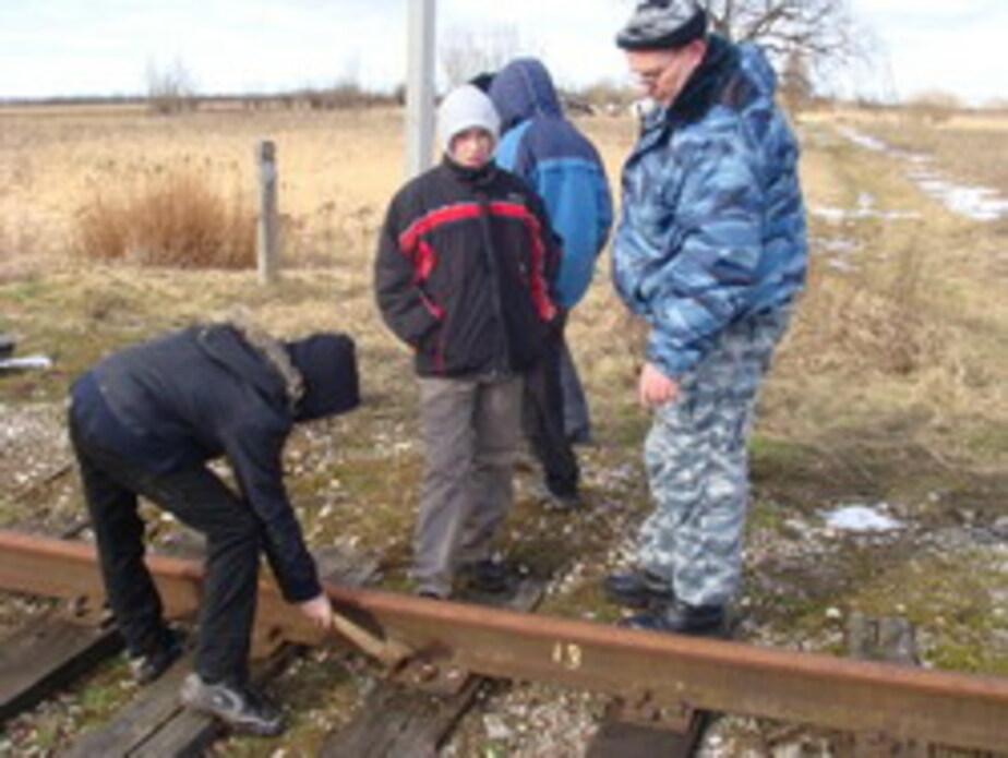 В Большаково подростки разобрали железнодорожные пути - Новости Калининграда