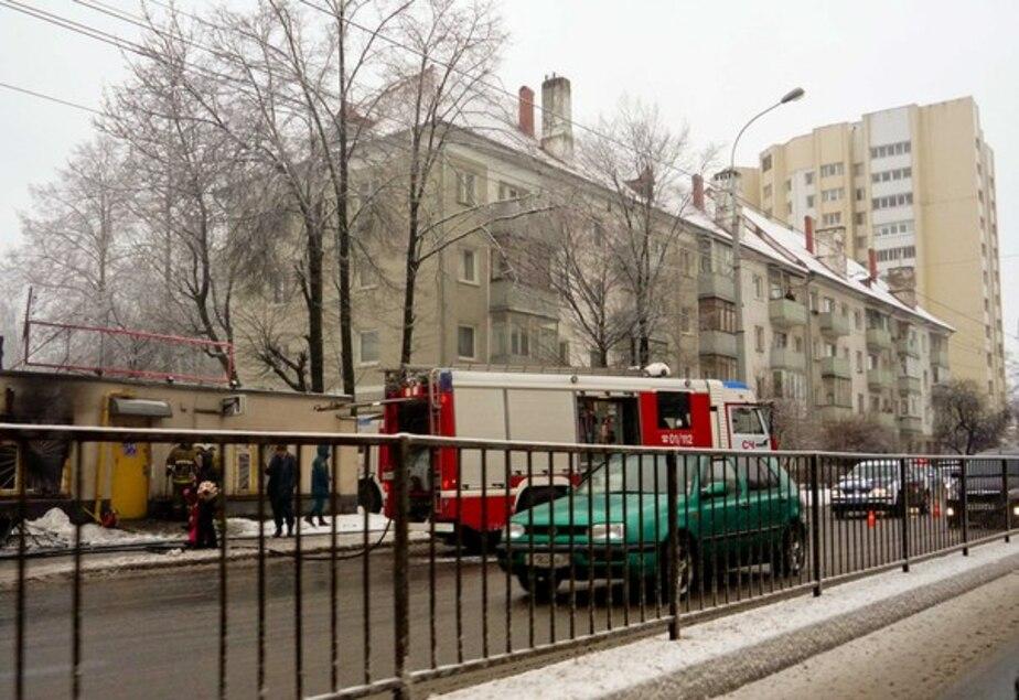 На Советском проспекте горел магазин красок- перекрыто движение - Новости Калининграда