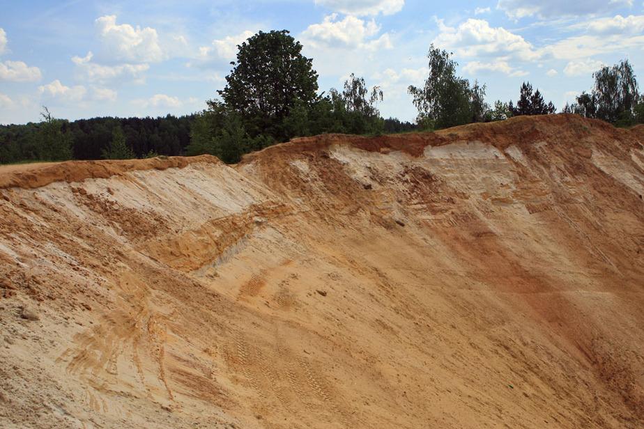 Компания заработала 12 млн руб-- незаконно разрабатывая песчаный карьер под Черняховском - Новости Калининграда