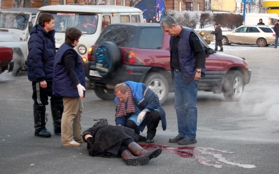 Сбитых пешеходов заставят заплатить за ремонт машины - Новости Калининграда
