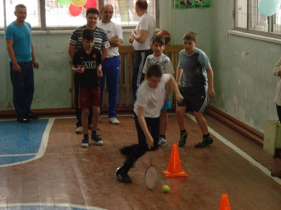В Черняховске состоялся спортивный праздник для родителей и учеников 4-х классов - Новости Калининграда