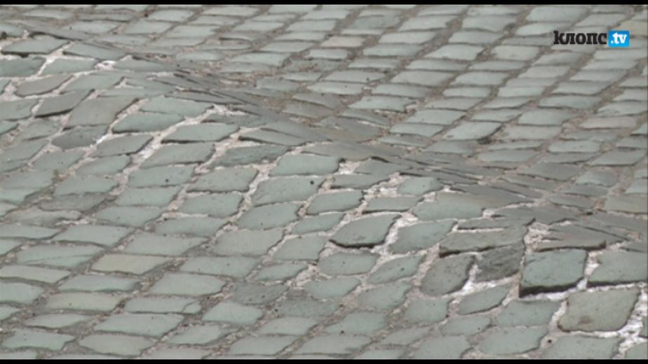 Разрушенную брусчатку на ул- Тельмана переложат после окончания холодов - Новости Калининграда
