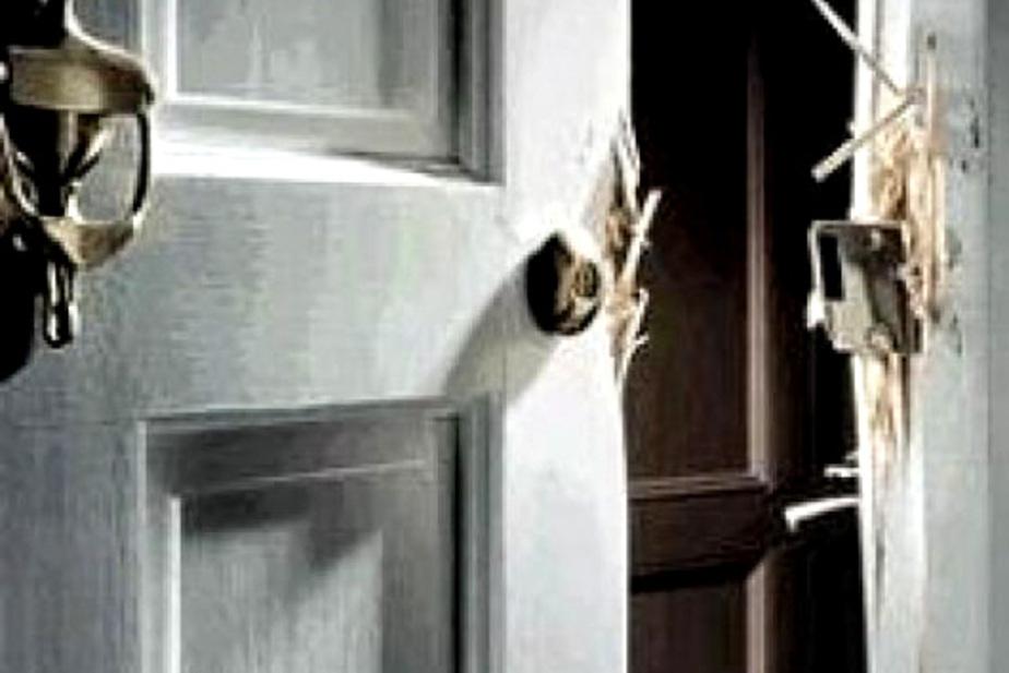 Депутат из Багратионовска украл дверь